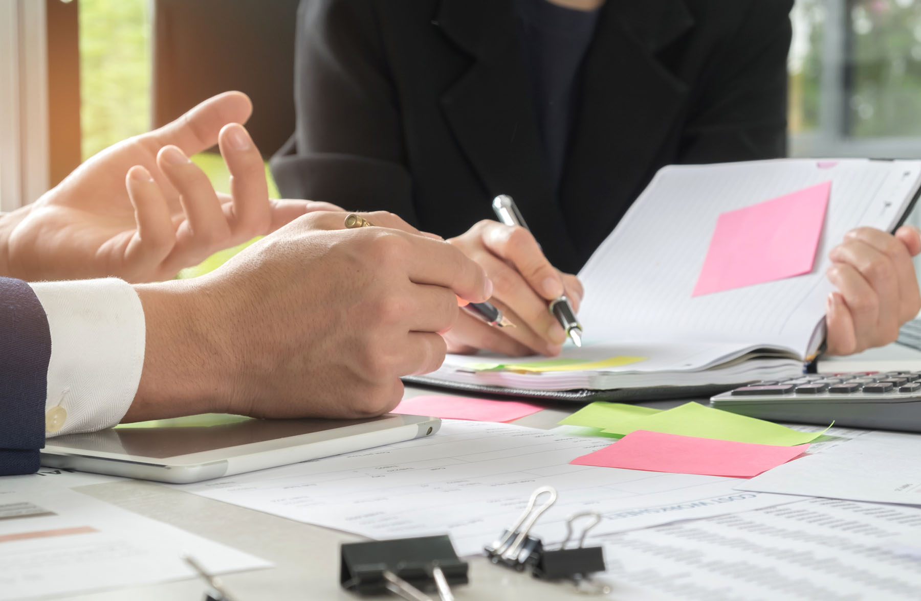 Business Consultant Milton Keynes | secretary is taking notes | Key Performance Management Pro